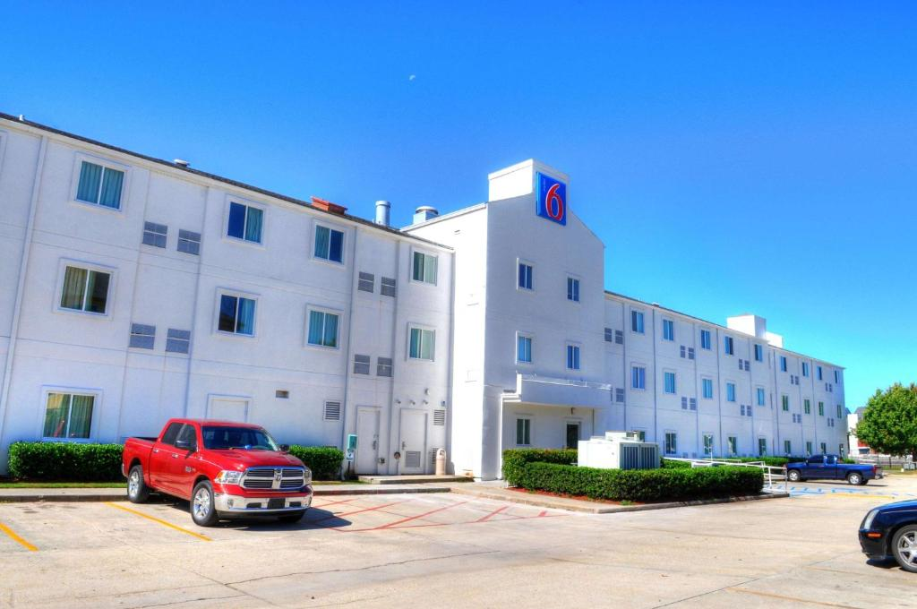 Motel 6 New Orleans (USA New Orleans) - Booking.com