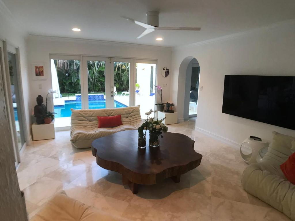 Vacation Home Coco Palm Beach House Fort Lauderdale Fl Booking
