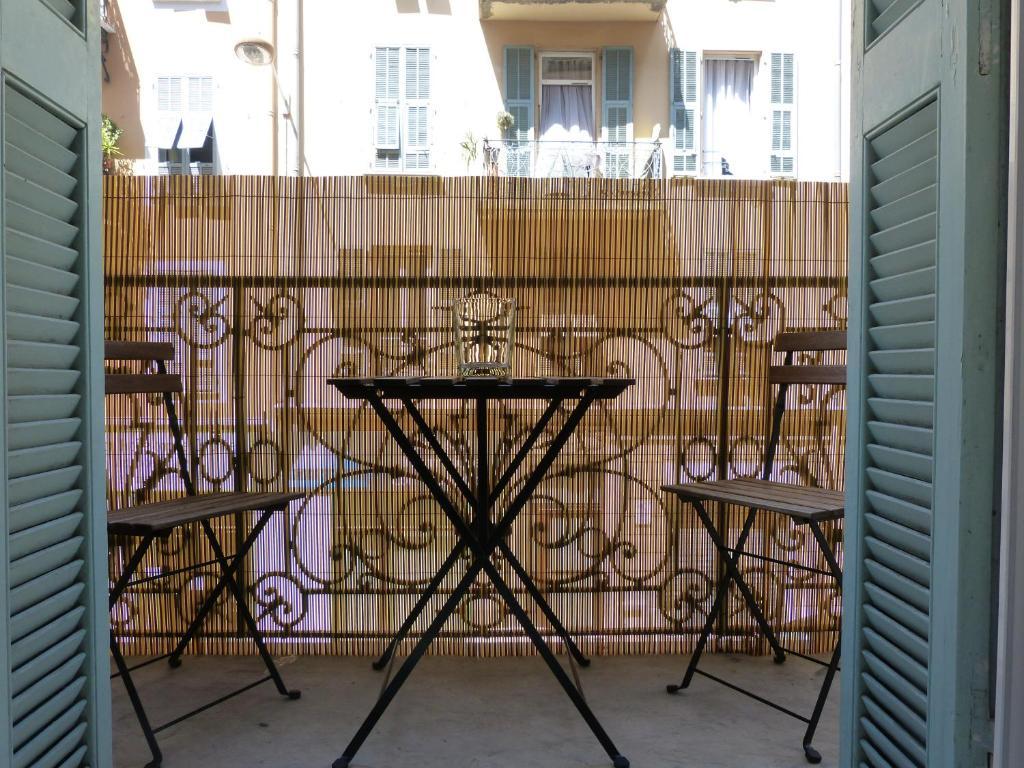 Balcon ou terrasse dans l'établissement appartement au coeur de Nice
