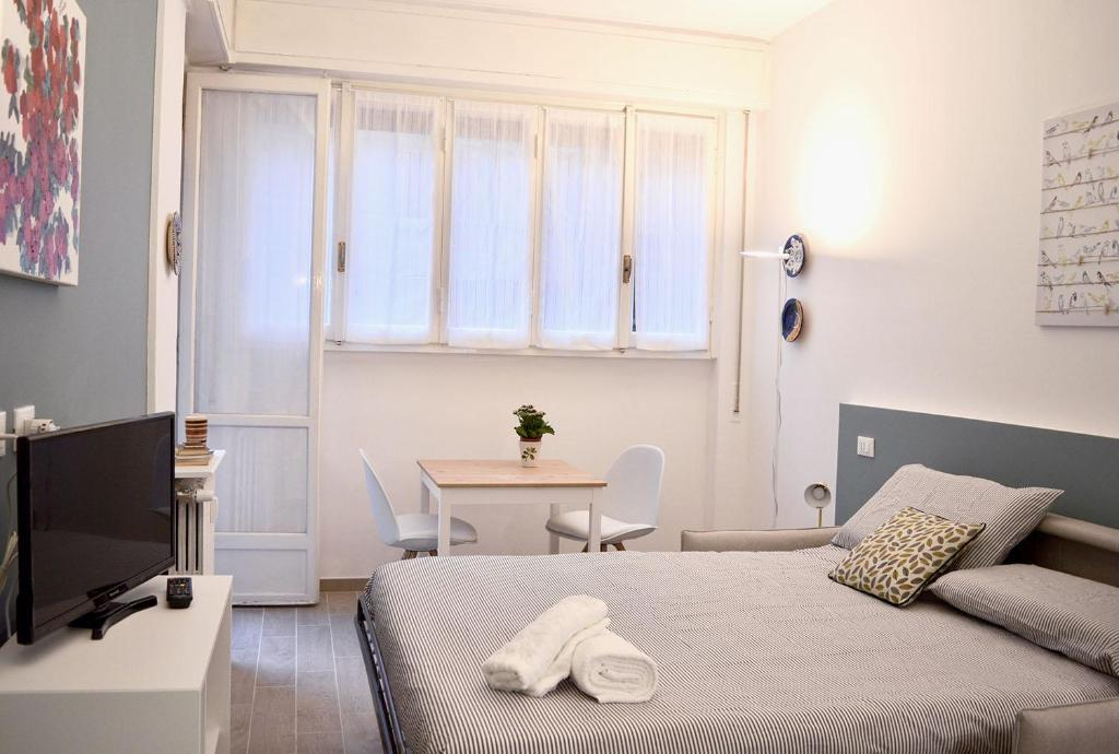 Oval Blue Apartment Milan Italy Booking Com