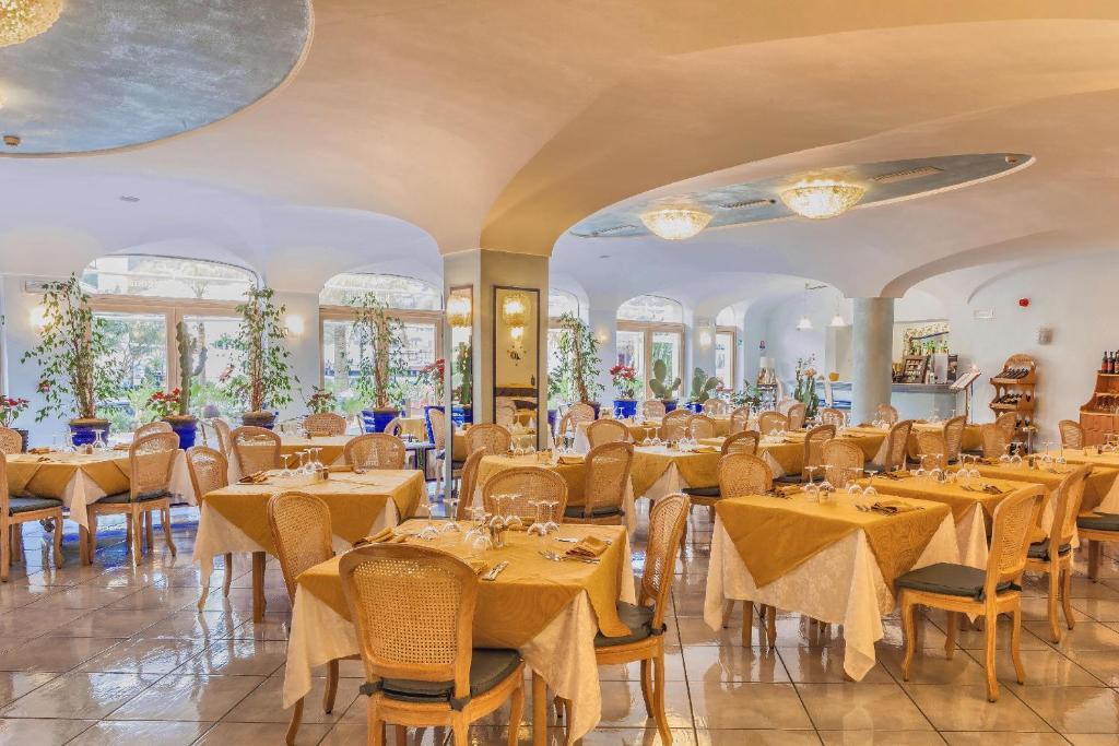 Hotel aragona palace spa italien ischia booking com