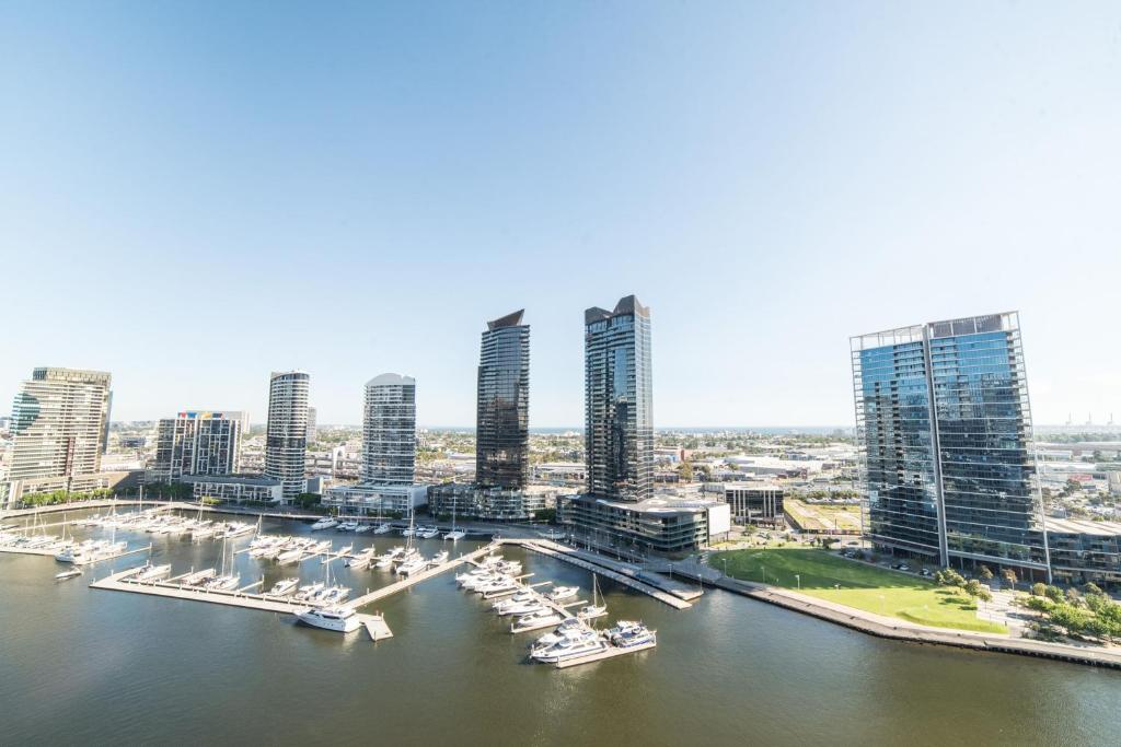 Melbourne Private Apartments - Collins Street Waterfront ...