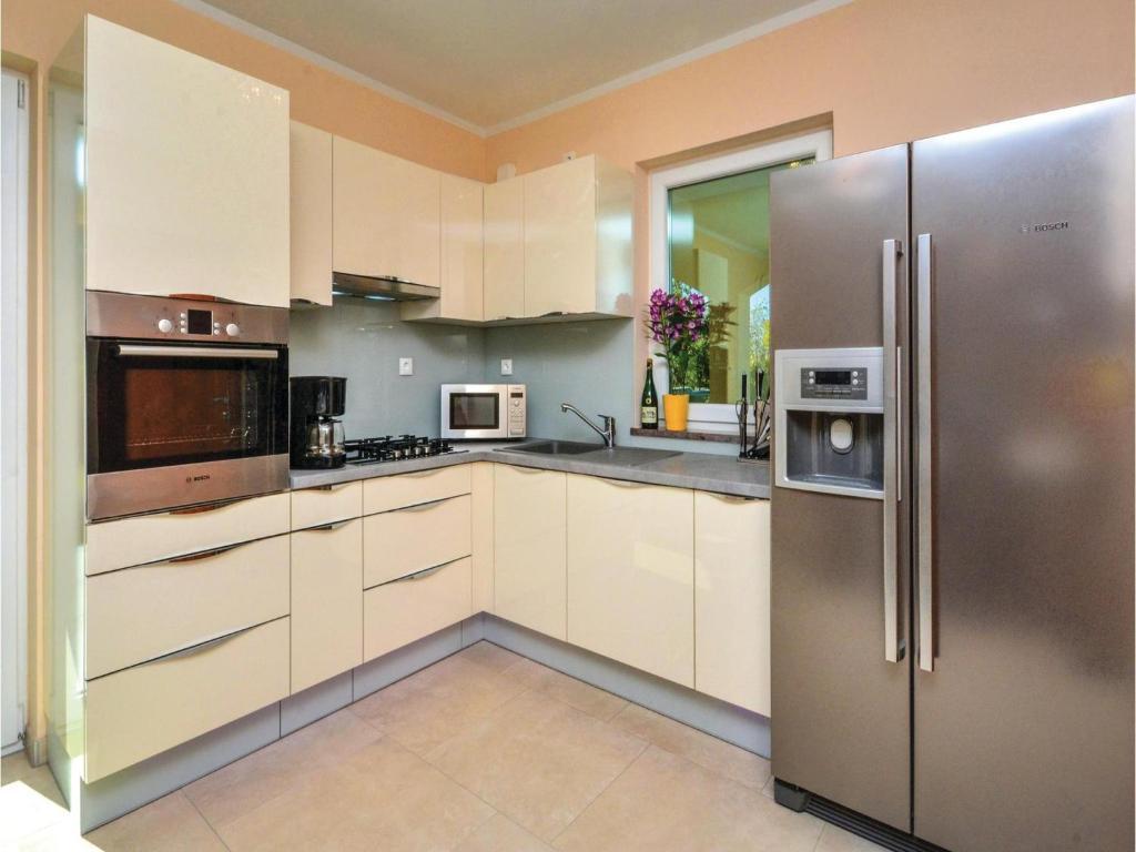 Bosch Kühlschrank Holiday : Five bedroom holiday home in katuni kroatien katuni booking