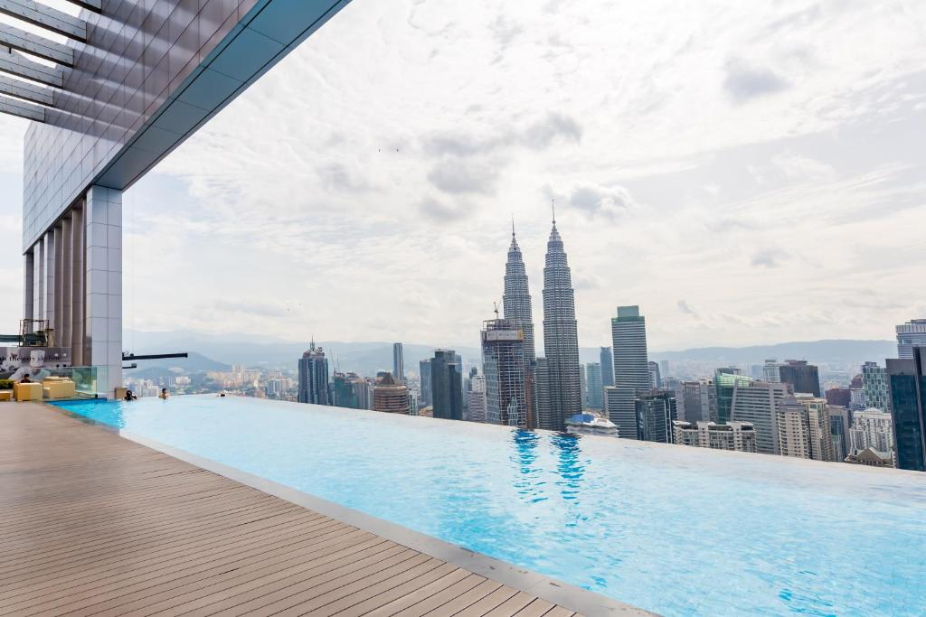Apartment best swimming pool the platinum s kuala lumpur malaysia for Best hotel swimming pool in kuala lumpur