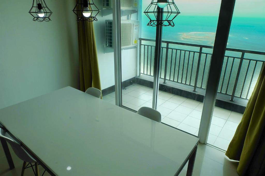 3 Br Baywalk Condominium Pluit With Ocean View By Travelio Jakarta Updated 2019 Prices