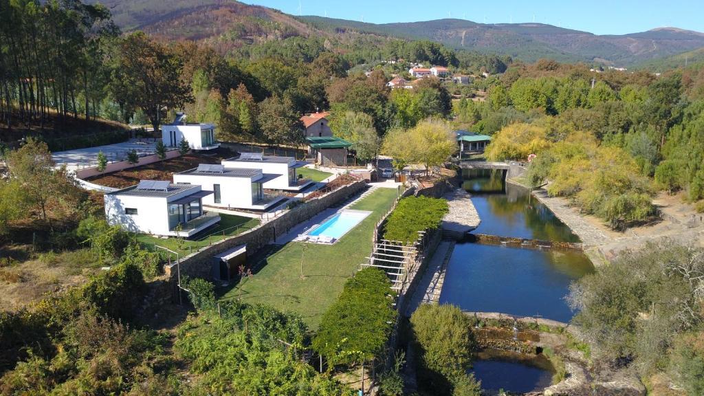 resort natureza villa rio portugal castanheira de p ra. Black Bedroom Furniture Sets. Home Design Ideas