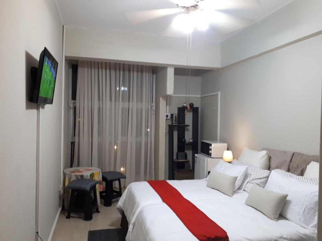 suites 617 the parkview hotel durban updated 2019 prices. Black Bedroom Furniture Sets. Home Design Ideas