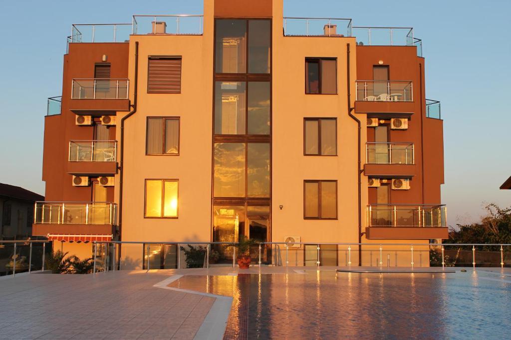 Апартамент Sinemoretz Izgrevstr 12 ap 28 - Синеморец