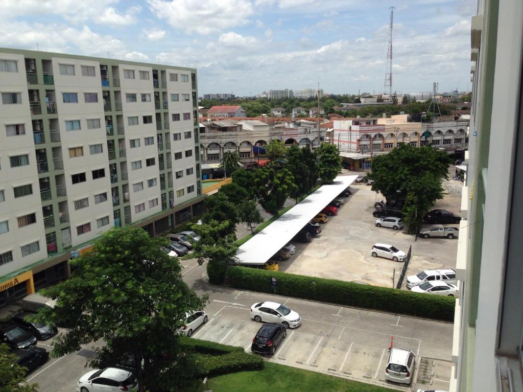Apartments In Ban Chuat Plai Mai Bangkok Province