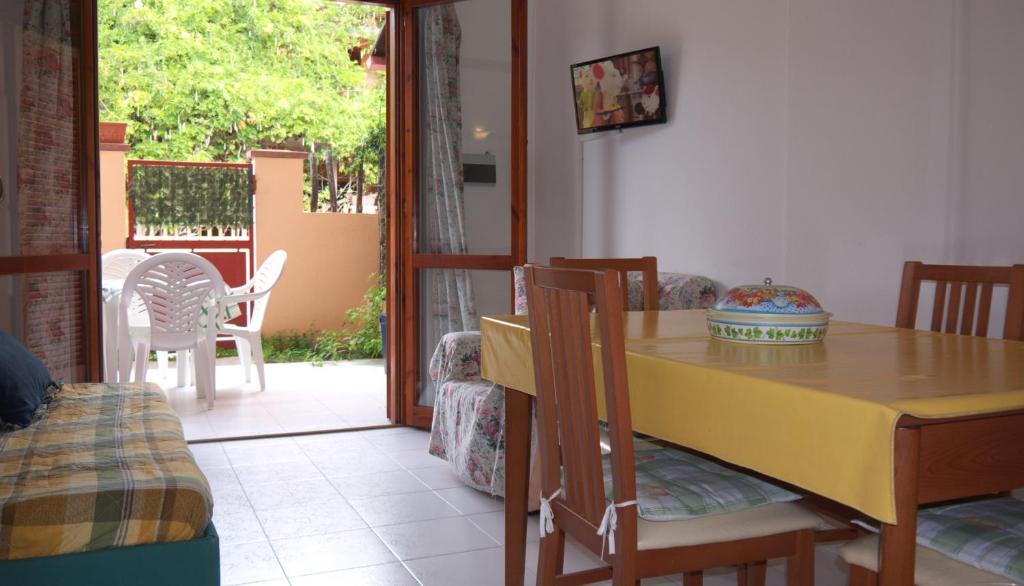 Appartamenti simius villasimius prezzi aggiornati per for Villasimius appartamenti