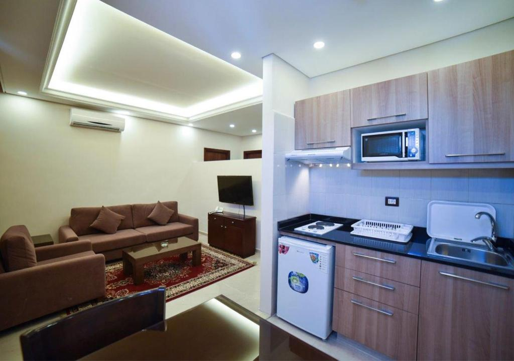 Al Jawhara Suites