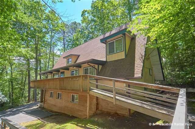 Vacation home echota four bedroom cabin gatlinburg tn for 4 bedroom cabins in gatlinburg tn