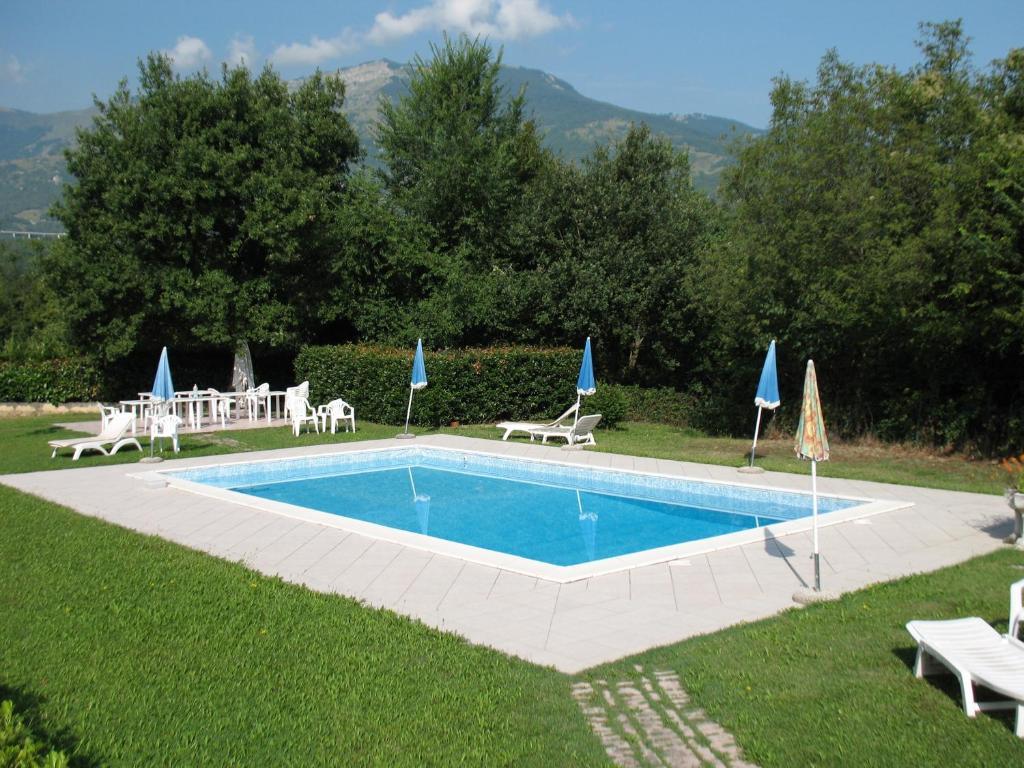 Residence la piscina italia isola del gran sasso d italia - Hotel con piscina riscaldata montagna ...