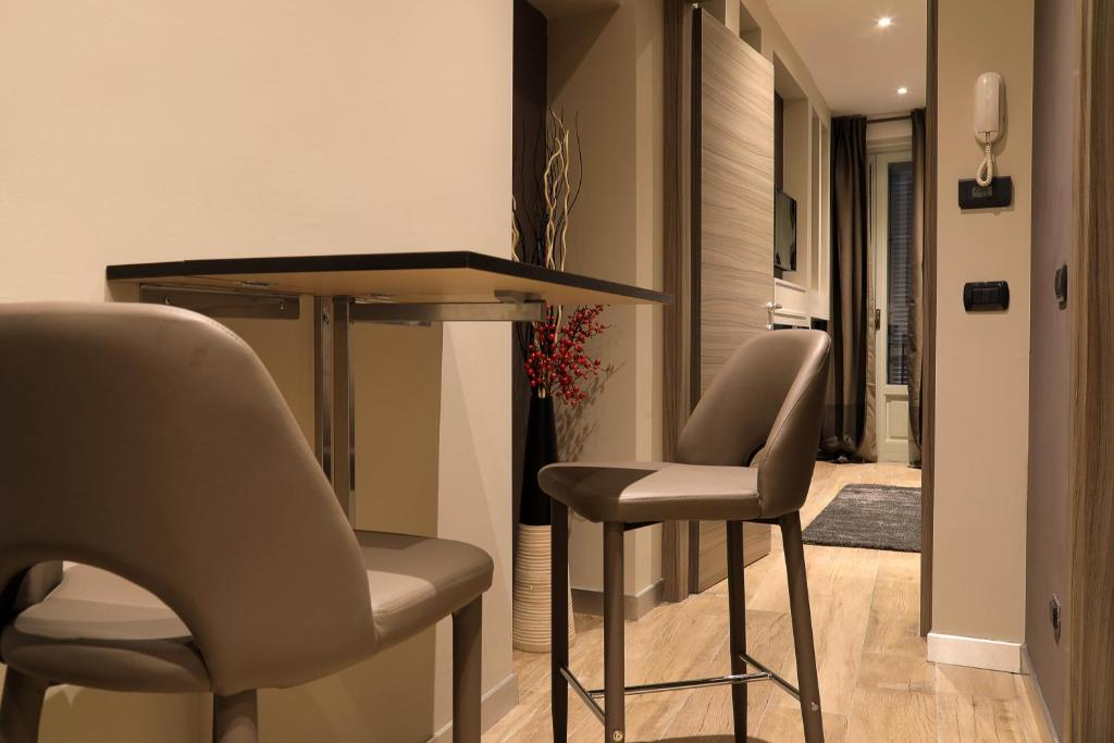 A seating area at SUITE 11 NEAR DUOMO