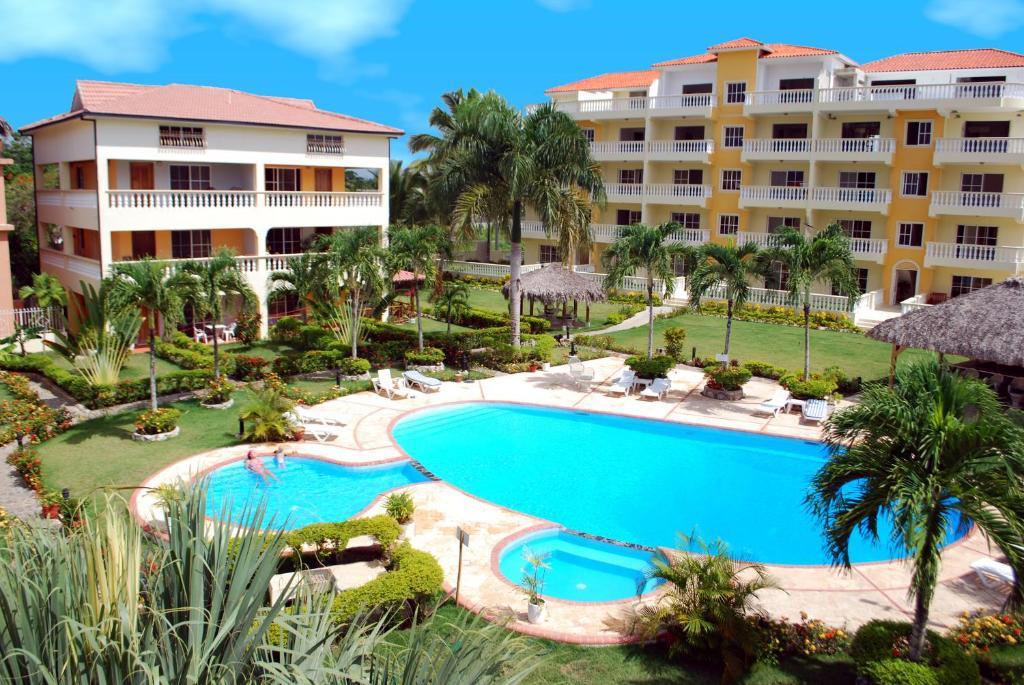 resort residencial las palmeras de willy boca chica dominican republic. Black Bedroom Furniture Sets. Home Design Ideas
