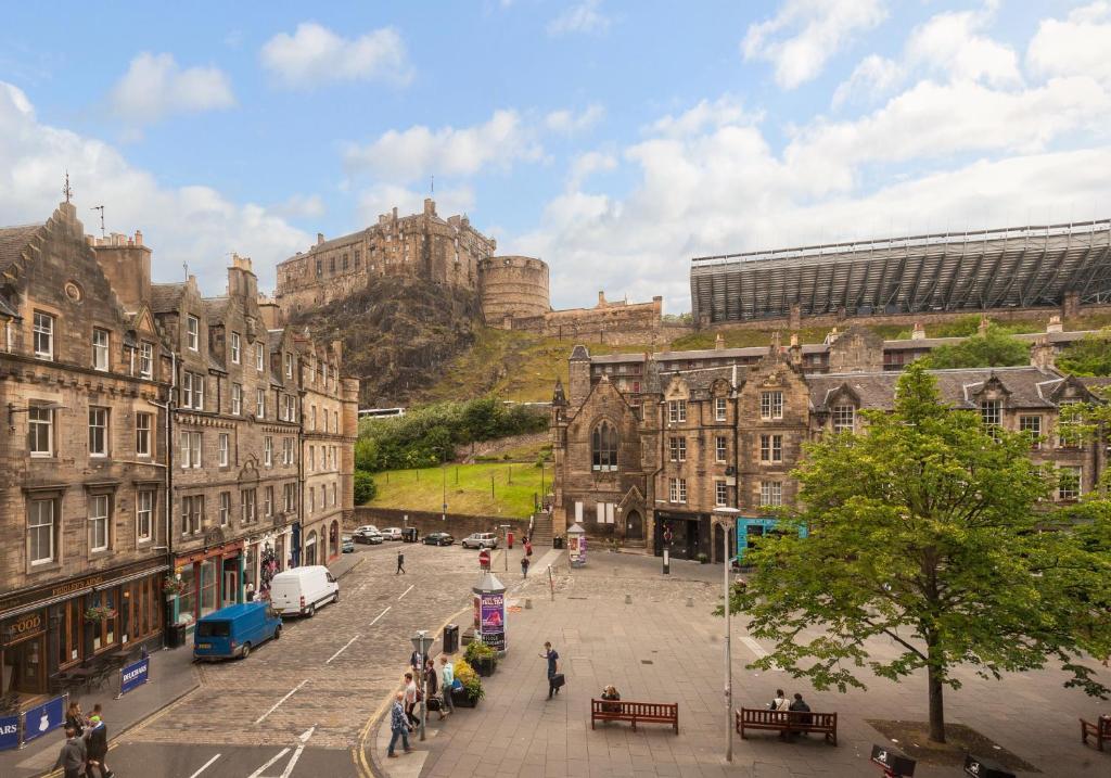 Apartment Castle Suite 1 Old Town, Edinburgh, UK - Booking.com