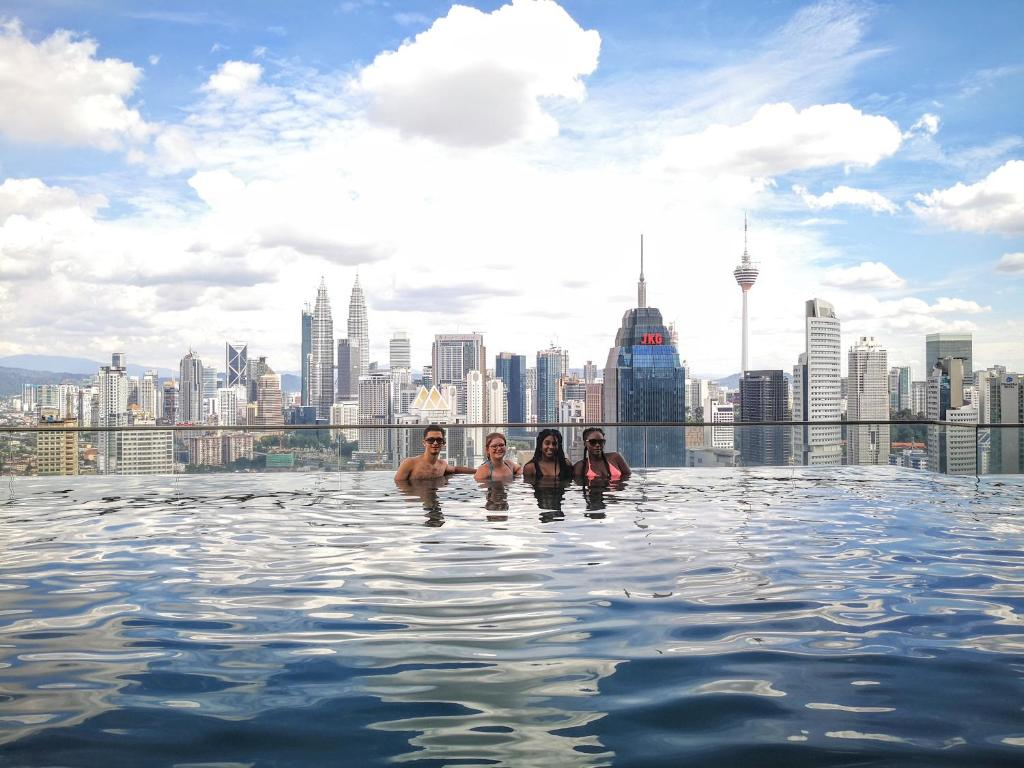 Sky society a luxury hostel with rooftop infinity pool - Homestay in kuala lumpur with swimming pool ...