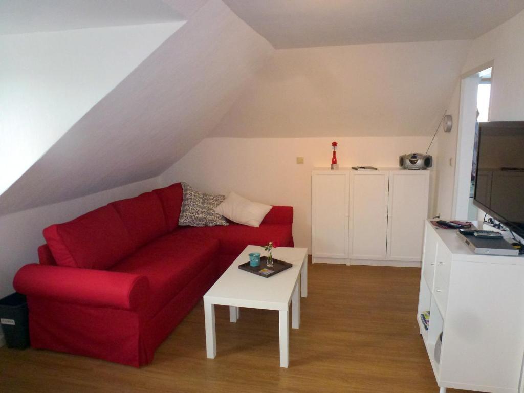 Apartment Ferienwohnung Am Runenstein 7, Busdorf, Germany - Booking.com