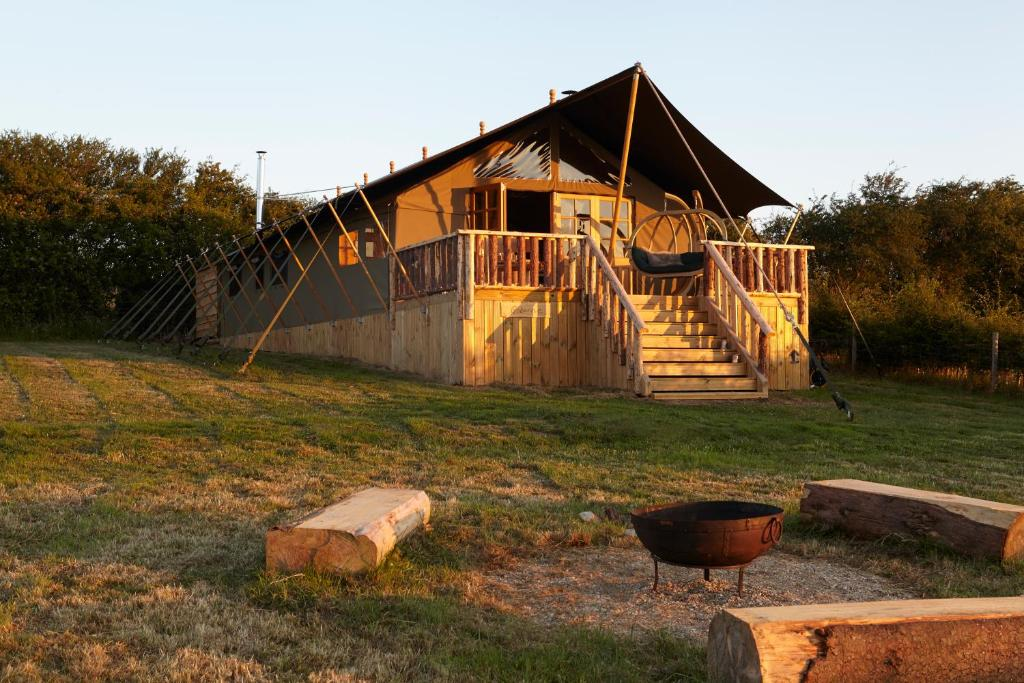 Gallery image of this property & Glamping The Wight Way Safari Tents Yarmouth u2013 Updated 2018 Prices