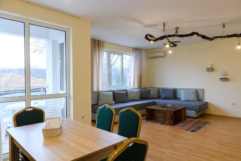 Апартхотел Апартамент Амос - Св. Св. Константин и Елена