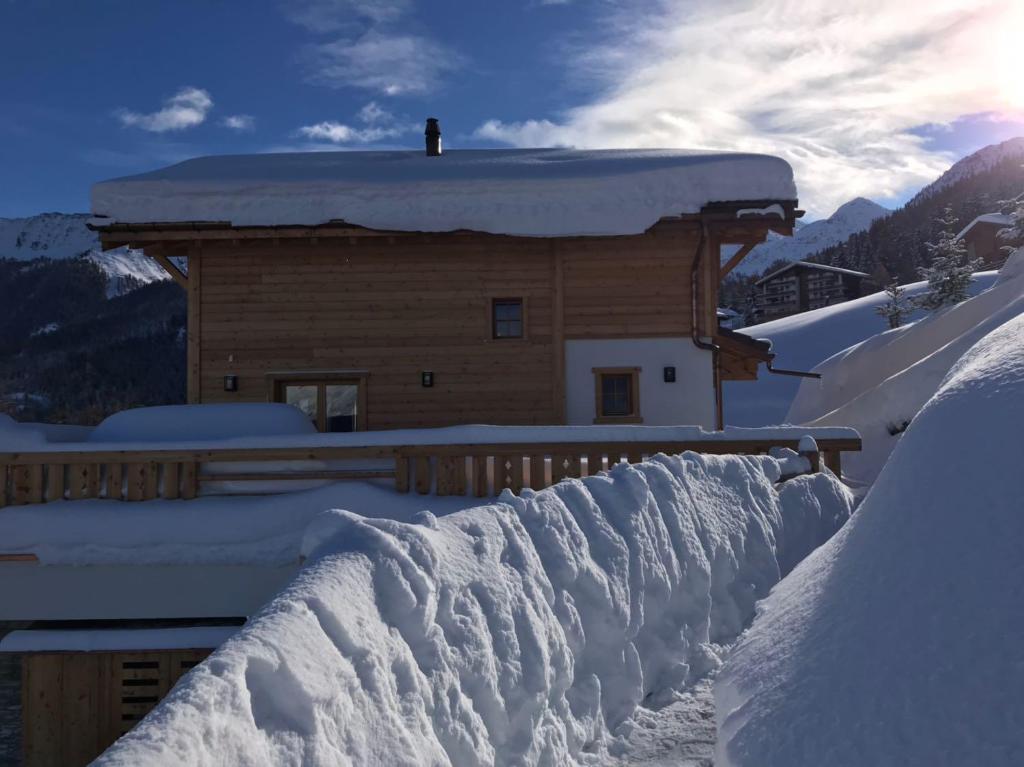 Modern Zwitsers Chalet : Chalet grand roi zwitserland la tzoumaz booking