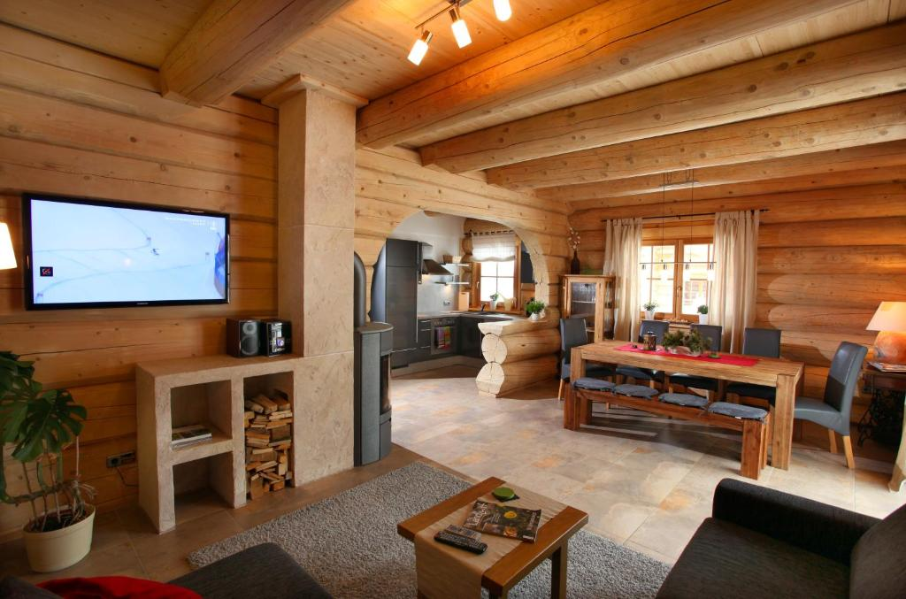 Blockhaus chalet heim kirchberg in tirol updated 2018 for Blockhaus bauen