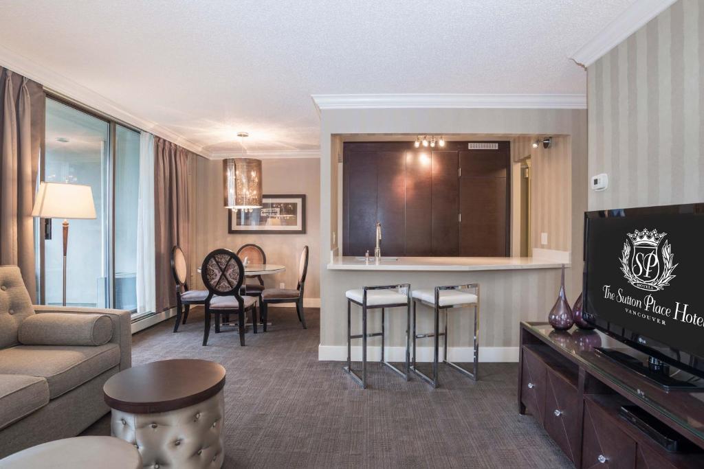 granderesidence sutton pl vancouver canada. Black Bedroom Furniture Sets. Home Design Ideas