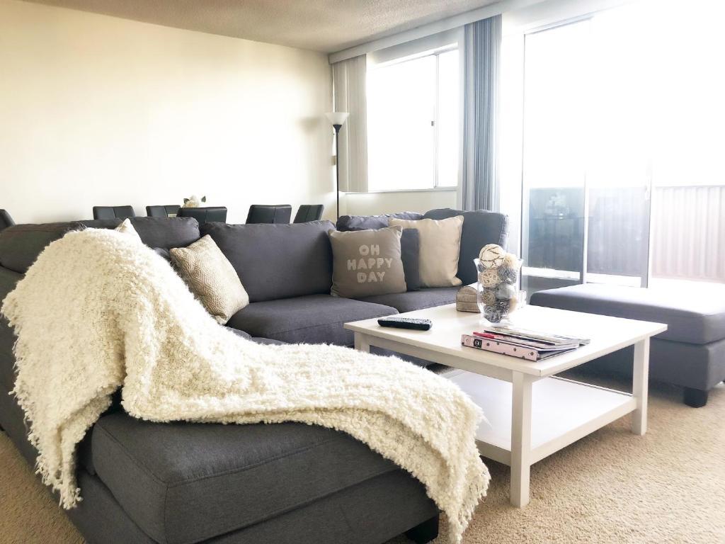 Amazing Apartment in Santa Monica, Los Angeles, CA - Booking.com