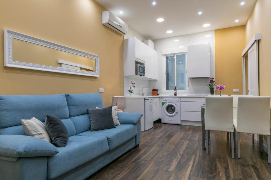 A seating area at Apartamento Plaza España