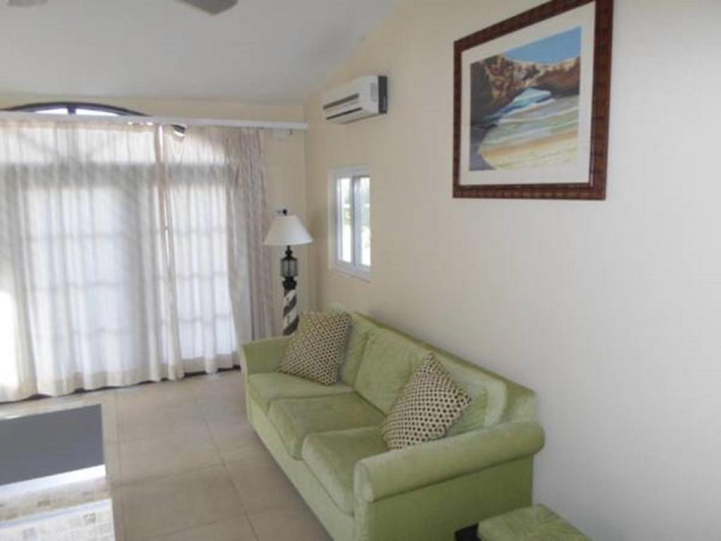 Гостиная зона в Salina Cerca Apartments