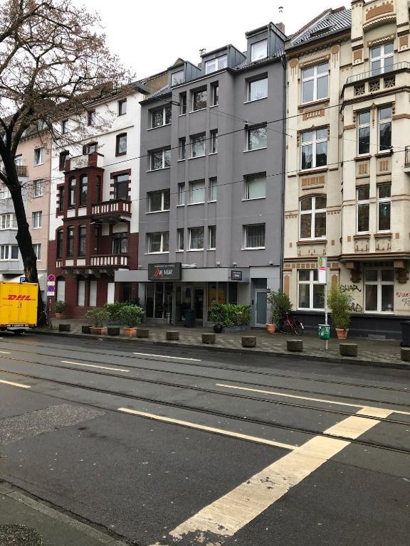 Ferienwohnung Moltke 120 Deutschland Dusseldorf Booking Com