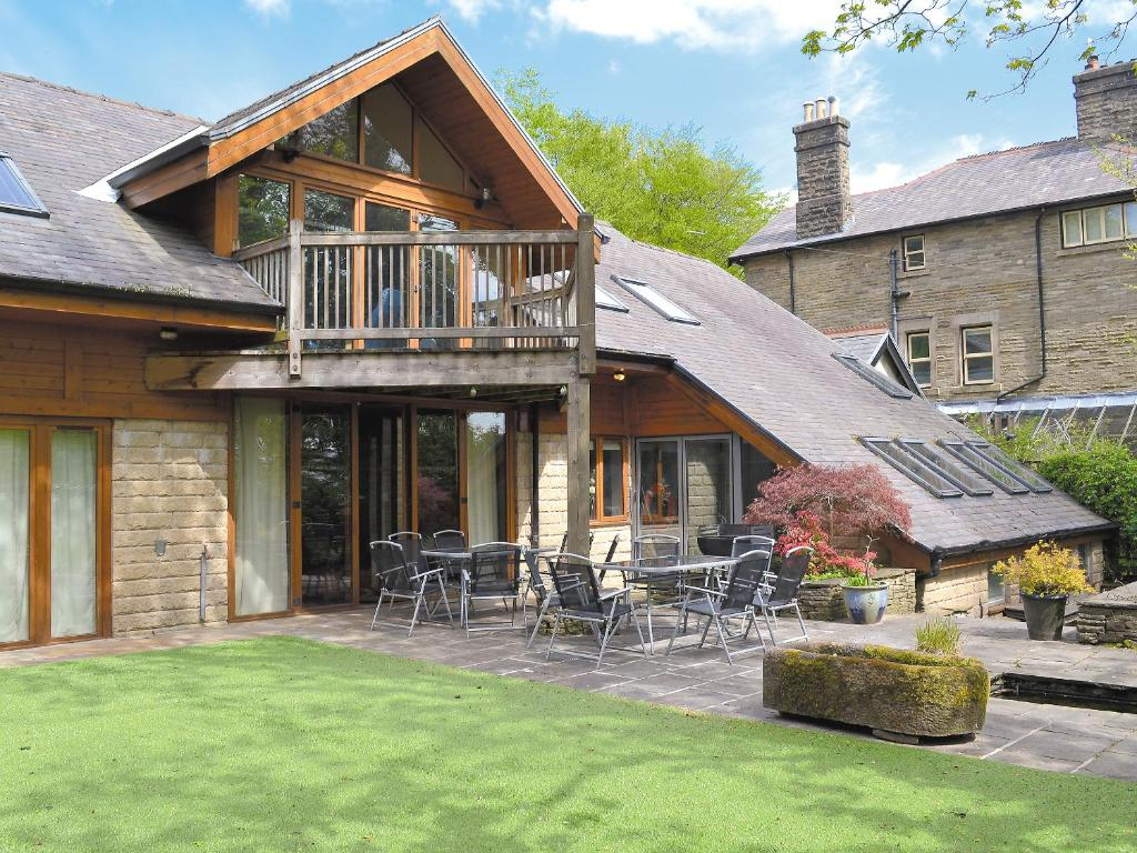 Moorecroft buxton updated 2019 prices - Hotels in buxton with swimming pool ...
