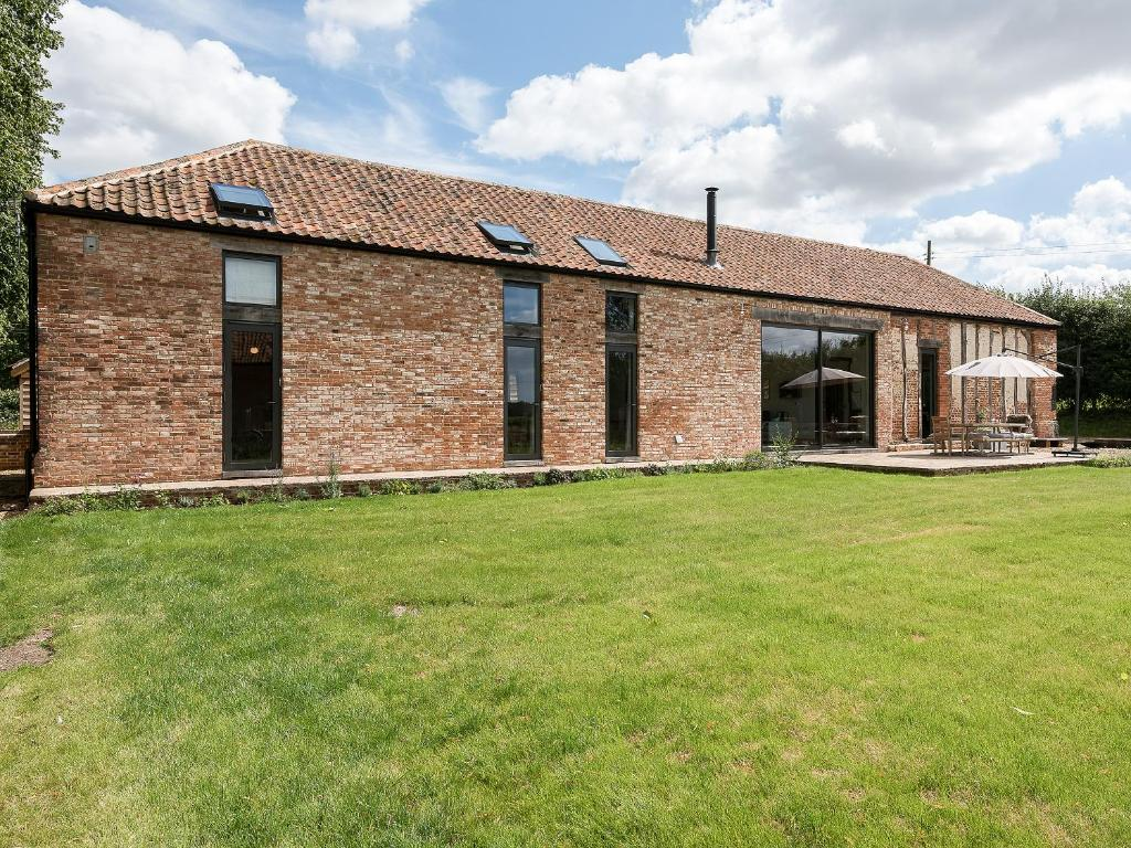 Old Hall Farm Barn, Wood Dalling - Updated 2019 Prices