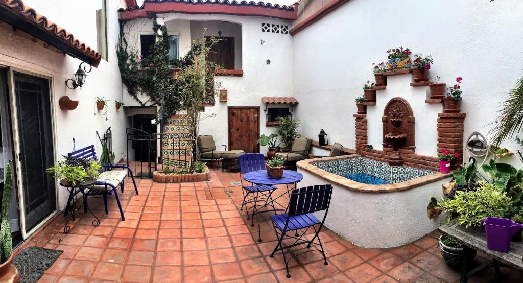 Spanish Courtyard Apartments, Ensenada, Mexico - Booking.com