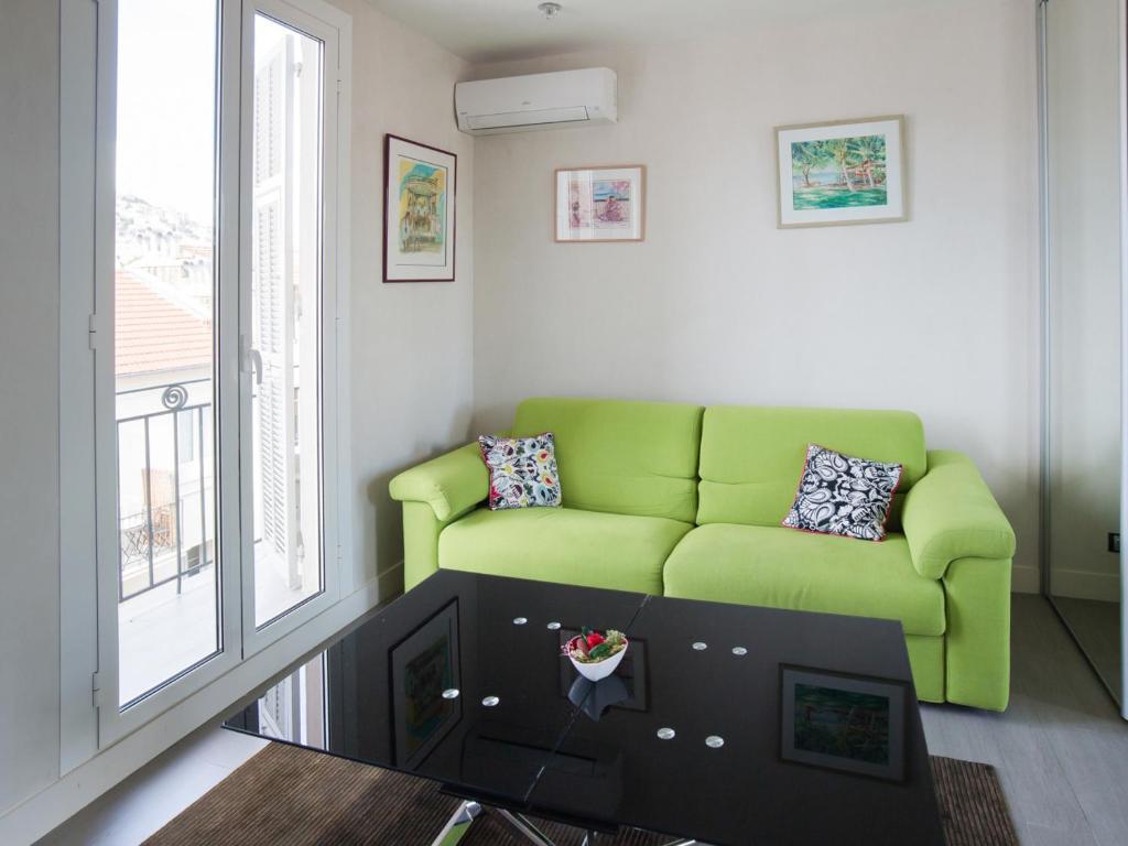 Apartment Welkeys Berlioz Nice France Booking Com # Meubles De Tele Berlioz