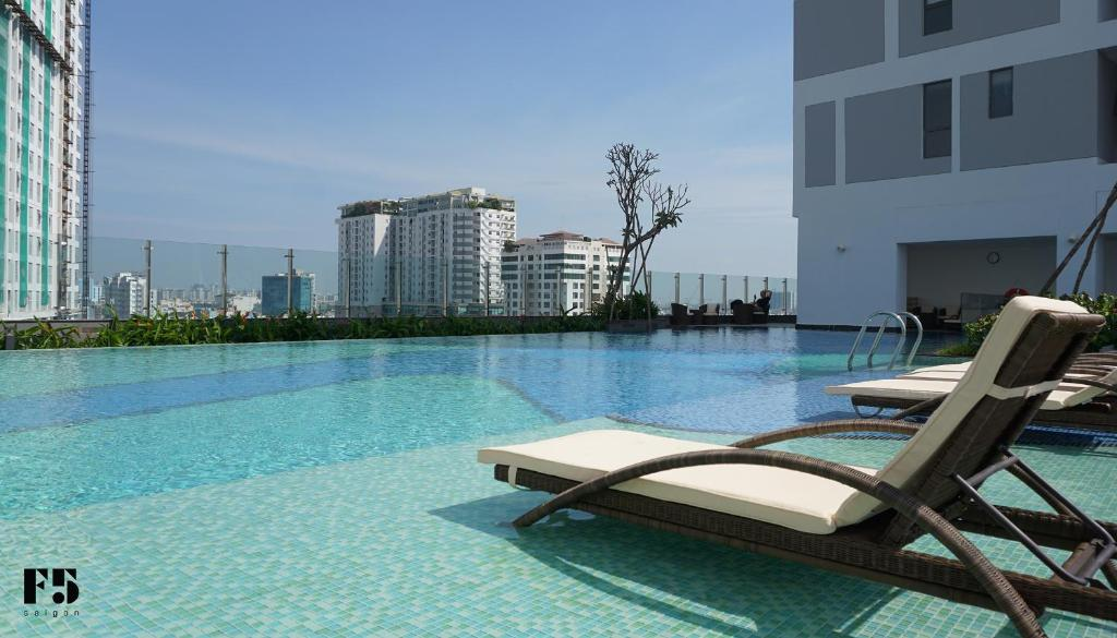 The swimming pool at or near F5 Saigon