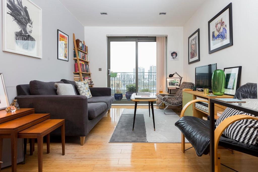 Apartment 1 Bedroom East London Flat With Balcony Sleeps 2 Uk