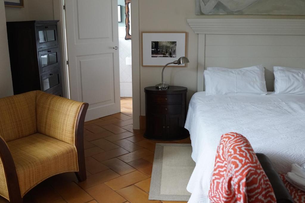 hoteles con encanto en zufre  18