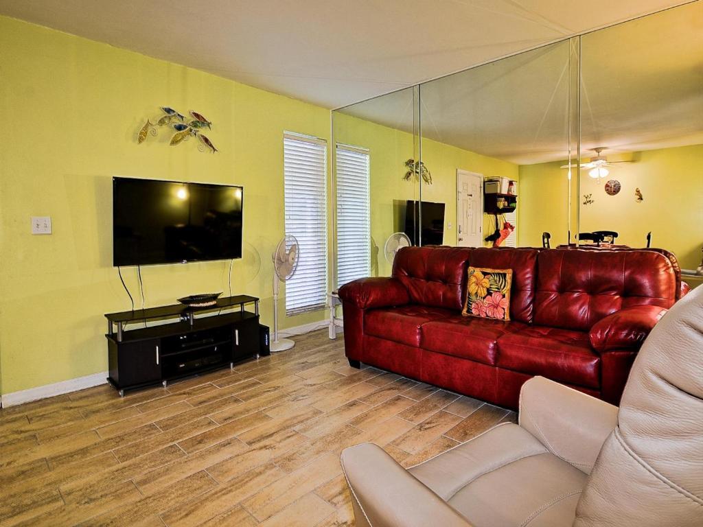 Apartment Gone Beaching 202, Clearwater Beach, FL - Booking.com