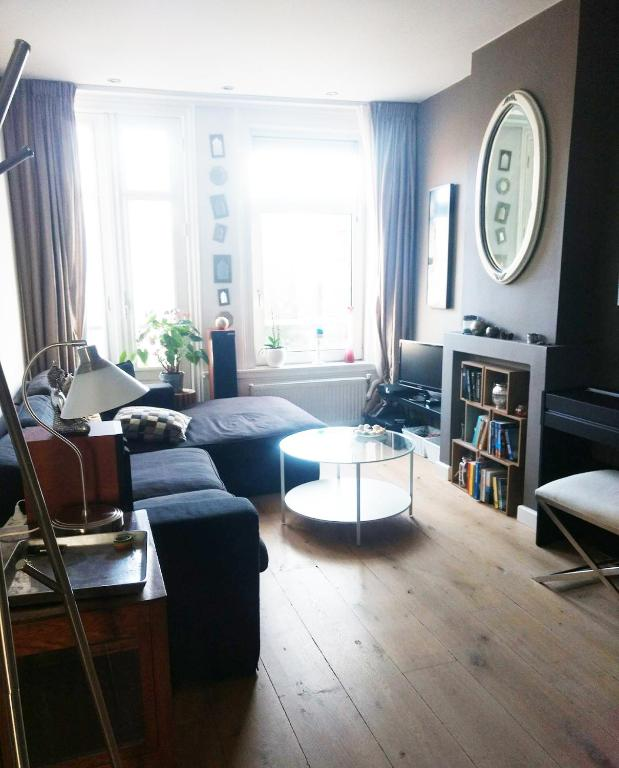 Beautiful Apartments: Beautiful Apartment With Balcony In Amsterdam