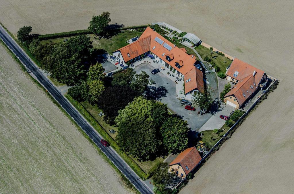 A bird's-eye view of Vadenhög