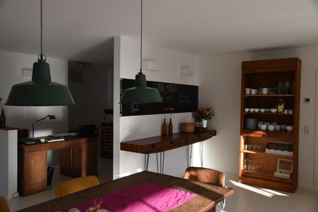 A kitchen or kitchenette at B & B Villa Dahlia
