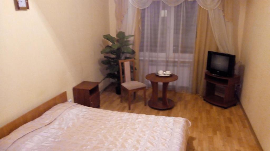 """PLUTARH"" mini hotel (Gr. 12)"