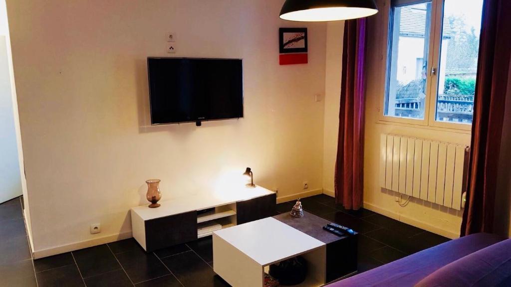 Apartments In Noisy-sur-école Ile De France