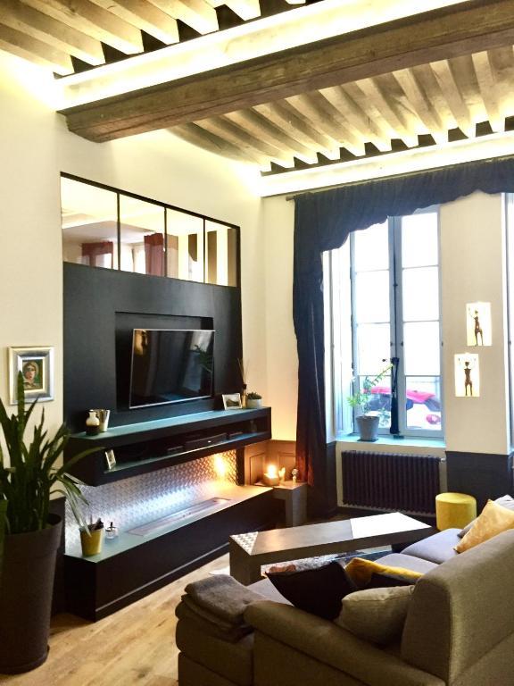 appartement de caract re centre historique dijon parking hammam patio france dijon. Black Bedroom Furniture Sets. Home Design Ideas