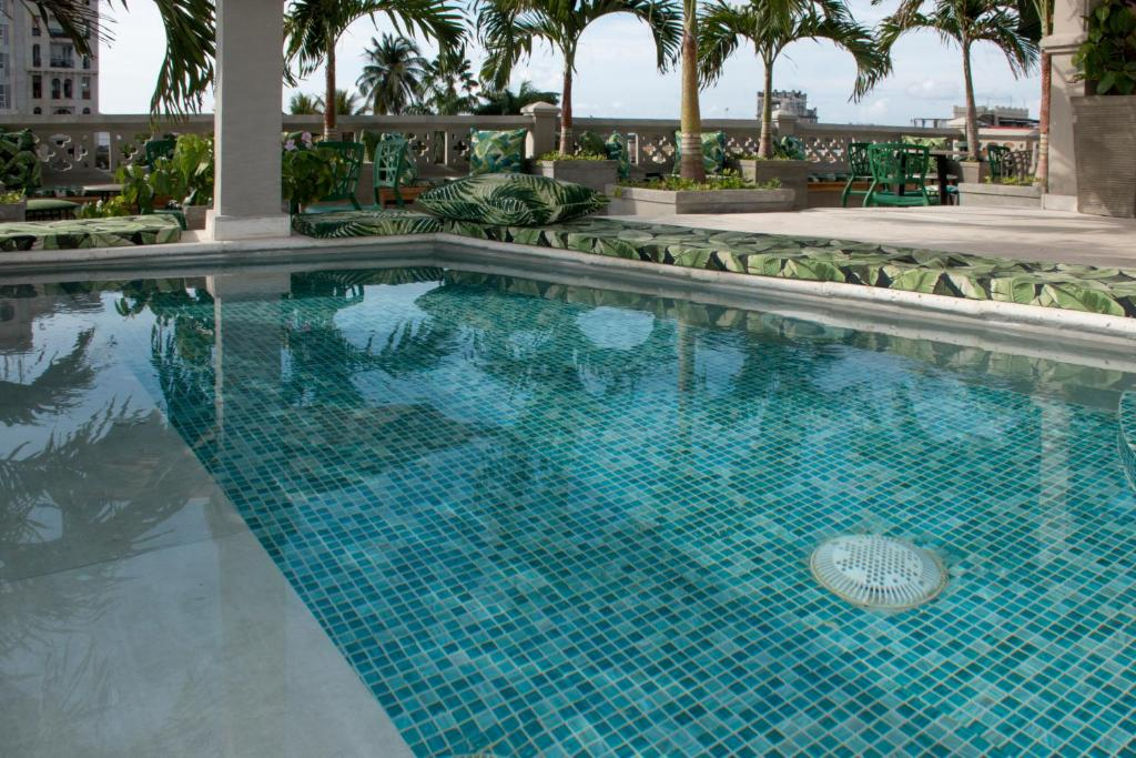 The swimming pool at or close to Townhouse Boutique Hotel