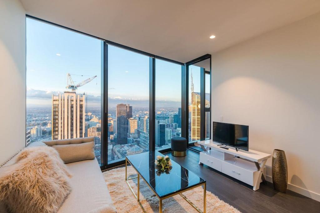 EQ Tower Luxury 2 Bedroom Skyline CBD Apartment, Melbourne ...