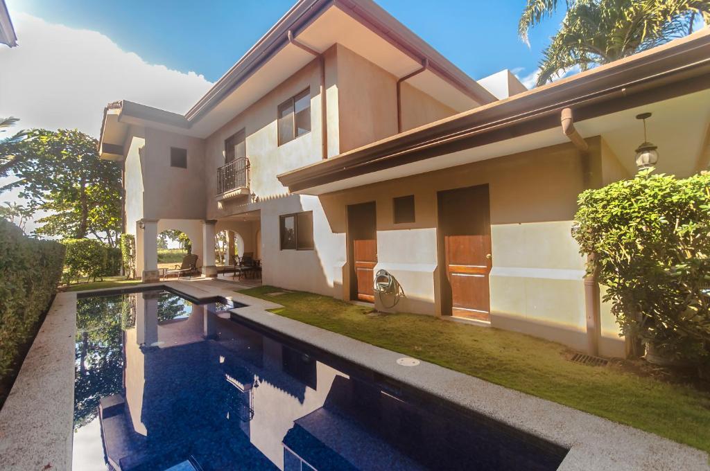 Apartments In Loma Puntarenas