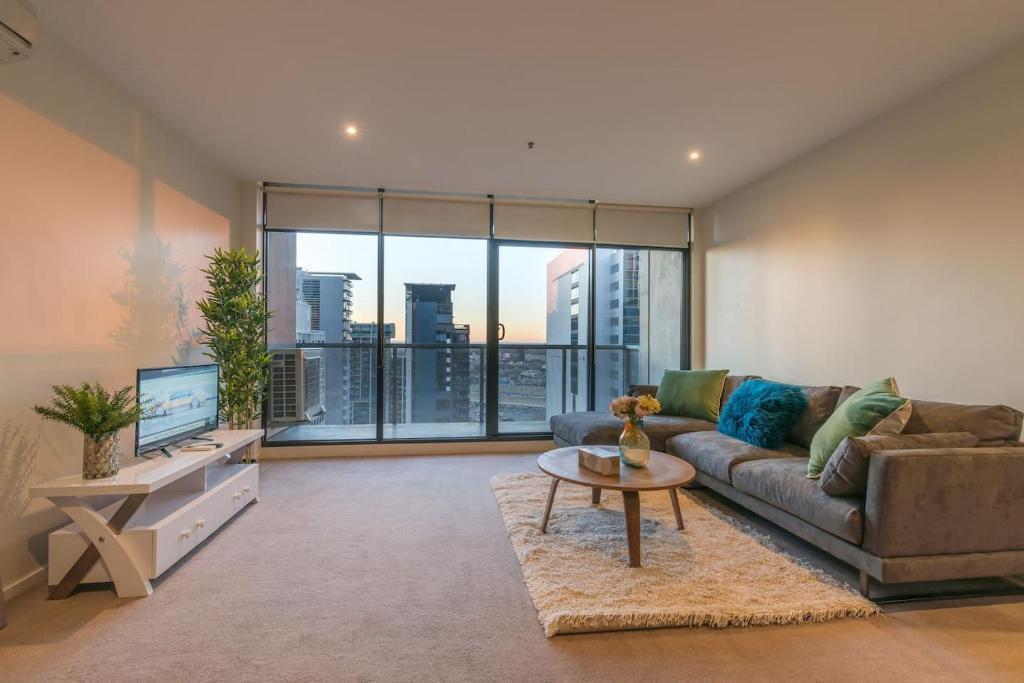 . Flagstaff Garden Large 2 Bedroom Modern Apartment  Melbourne