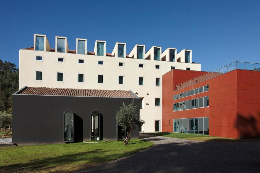 Hotel hd duecitania design portugal penela for Design merrion hotel 4